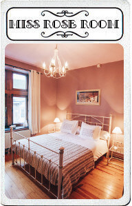 Au Plaisir-carte-jeu-Cluedo-Miss rose room-chambres d'hôtes-chambres à thème-romantique